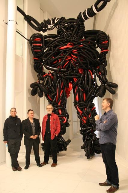 Collectif Padejo avec le commissaire Marc Audette, à la Galerie Glendon de Toronto